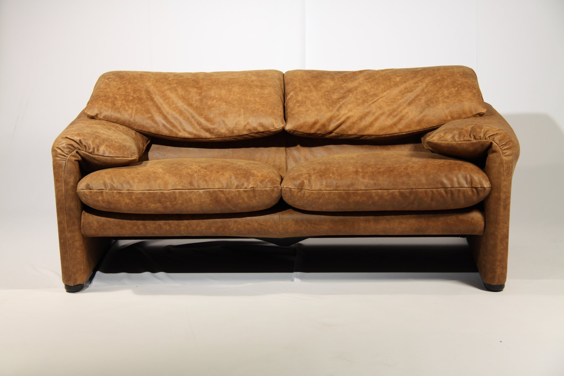 vintage maralunga sofa by vico magistretti for cassina. Black Bedroom Furniture Sets. Home Design Ideas