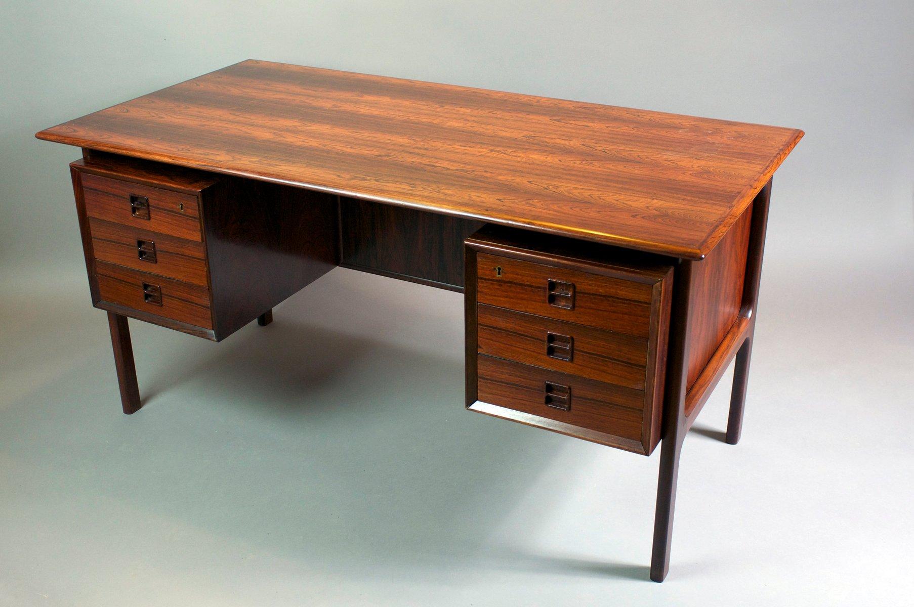 schreibtisch mit zwei unters tzen von arne vodder f r. Black Bedroom Furniture Sets. Home Design Ideas