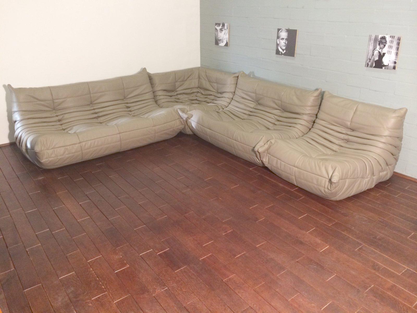 togo ledersofa set in beige von michel ducaroy f r ligne roset 1974 bei pamono kaufen. Black Bedroom Furniture Sets. Home Design Ideas