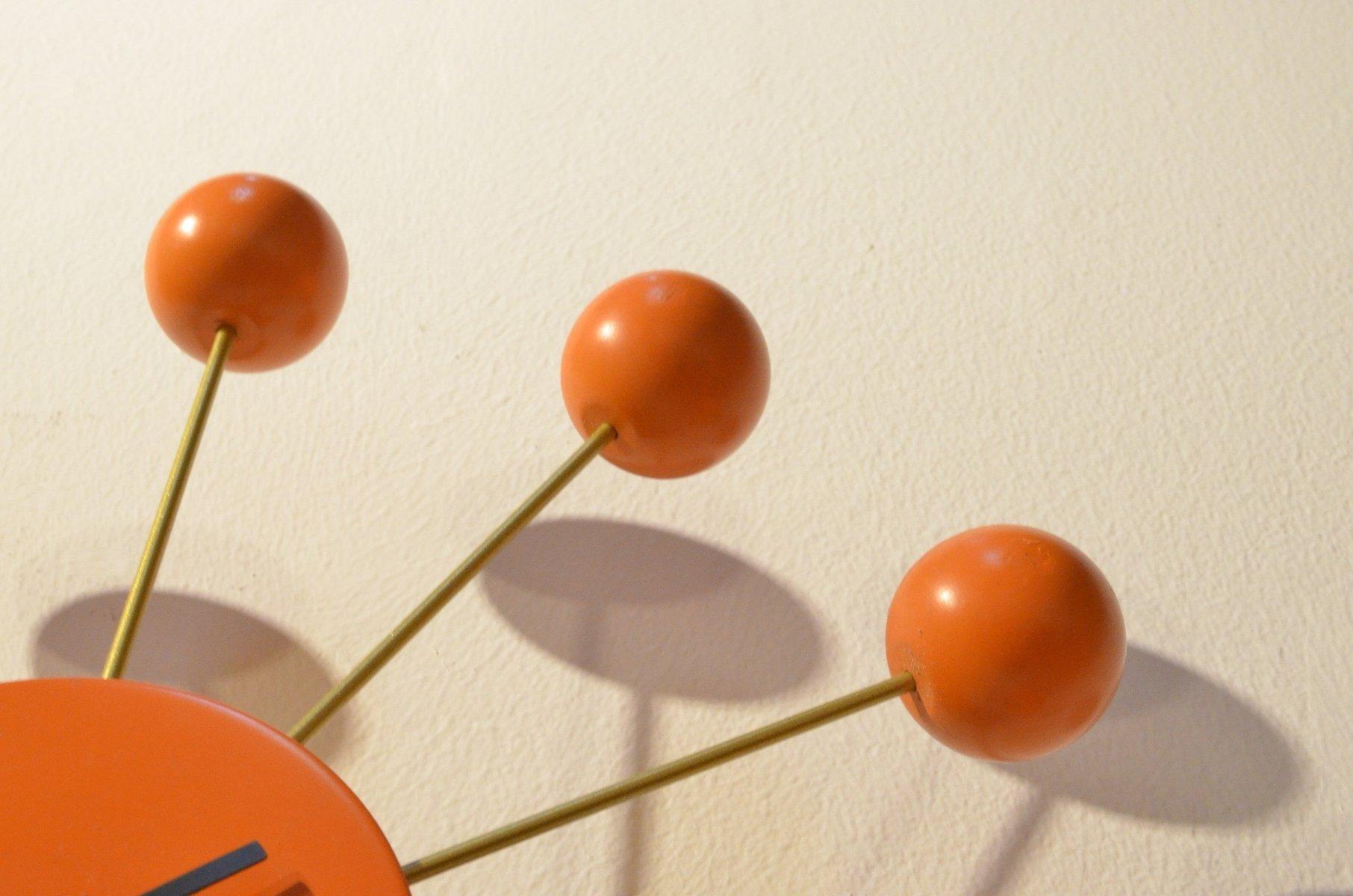 orangenfarbene uhr aus holz messing von george nelson 1980er bei pamono kaufen. Black Bedroom Furniture Sets. Home Design Ideas