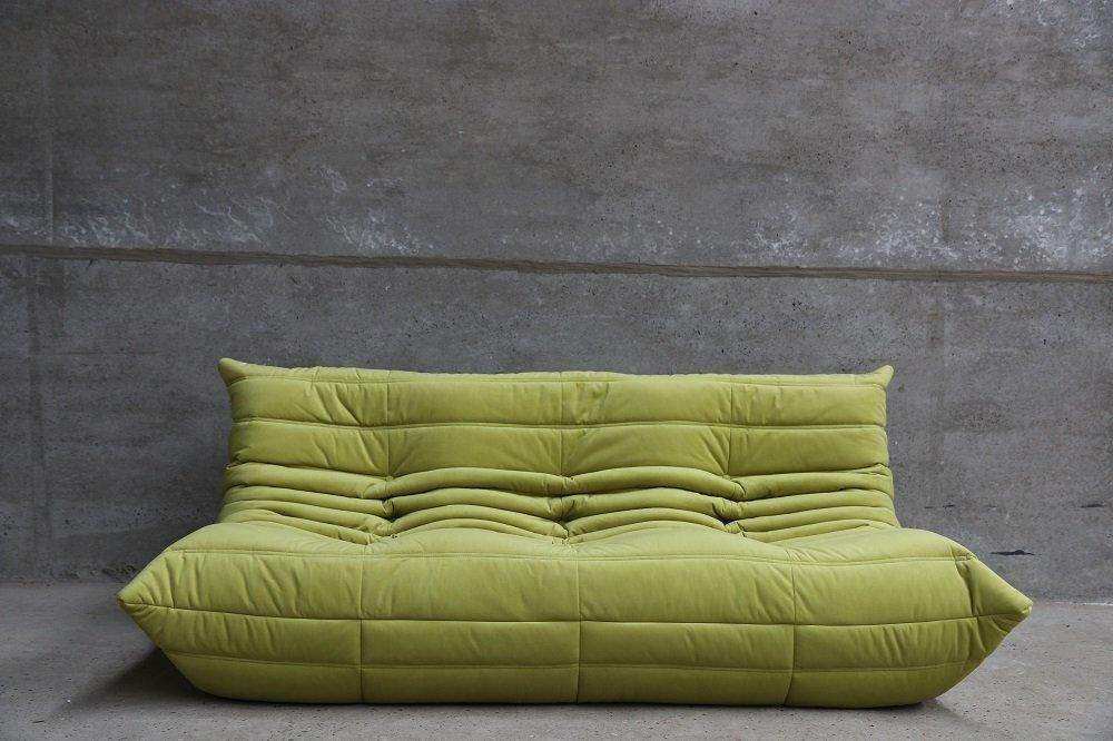 Green velvet 3 seater togo sofa by michel ducarot for ligne roset en vente su - Ligne roset togo prix ...