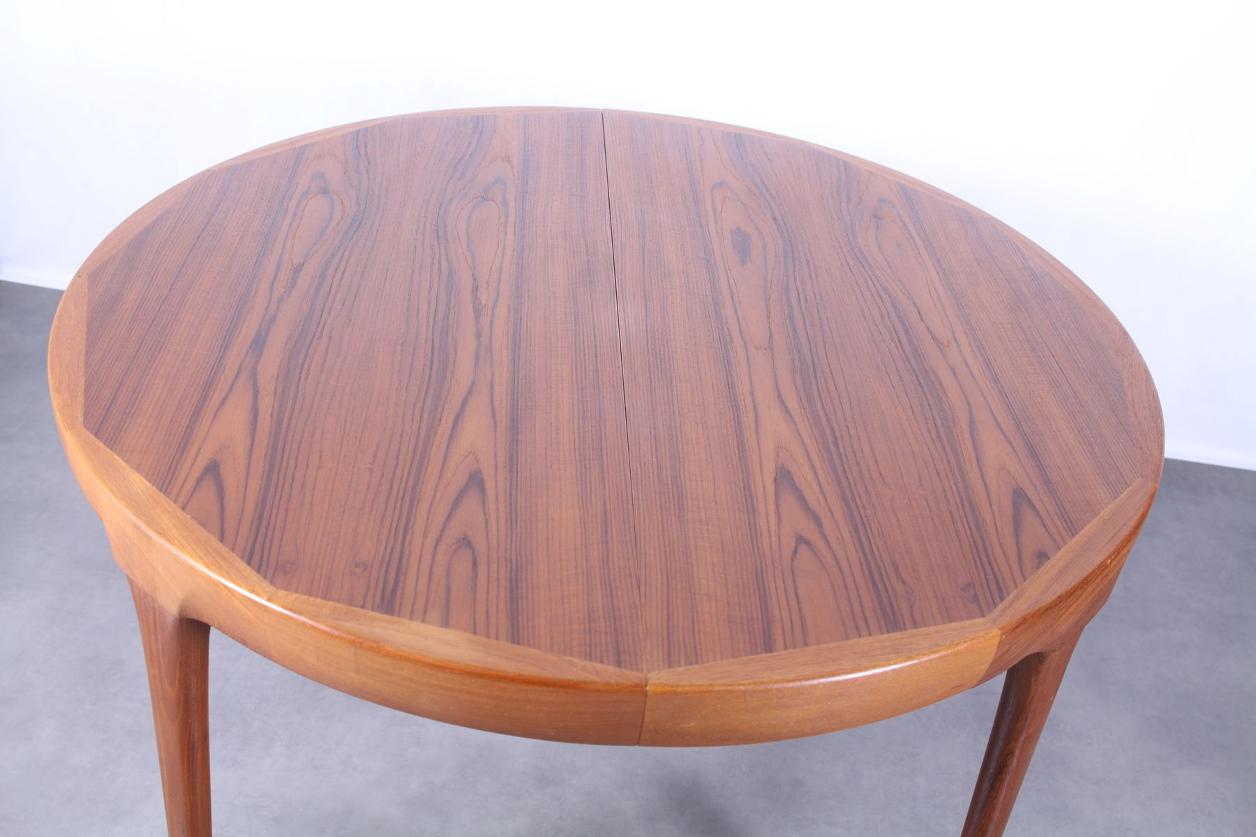 Round Teak Dining Table by Ib Kofod Larsen for Faarup Mbelfabrik