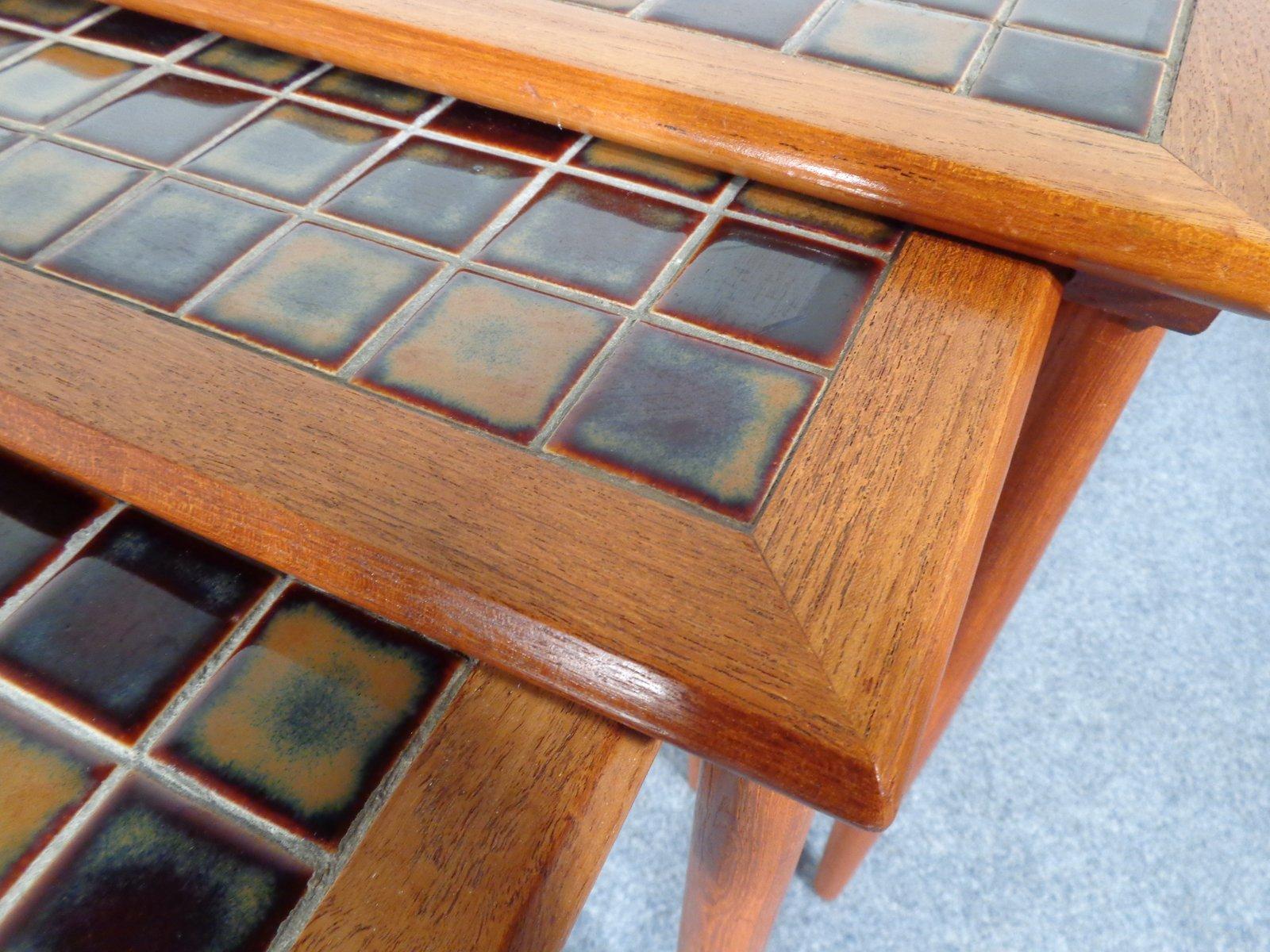 d nische teak und keramik mosaik satztische 1960er 3er set bei pamono kaufen. Black Bedroom Furniture Sets. Home Design Ideas