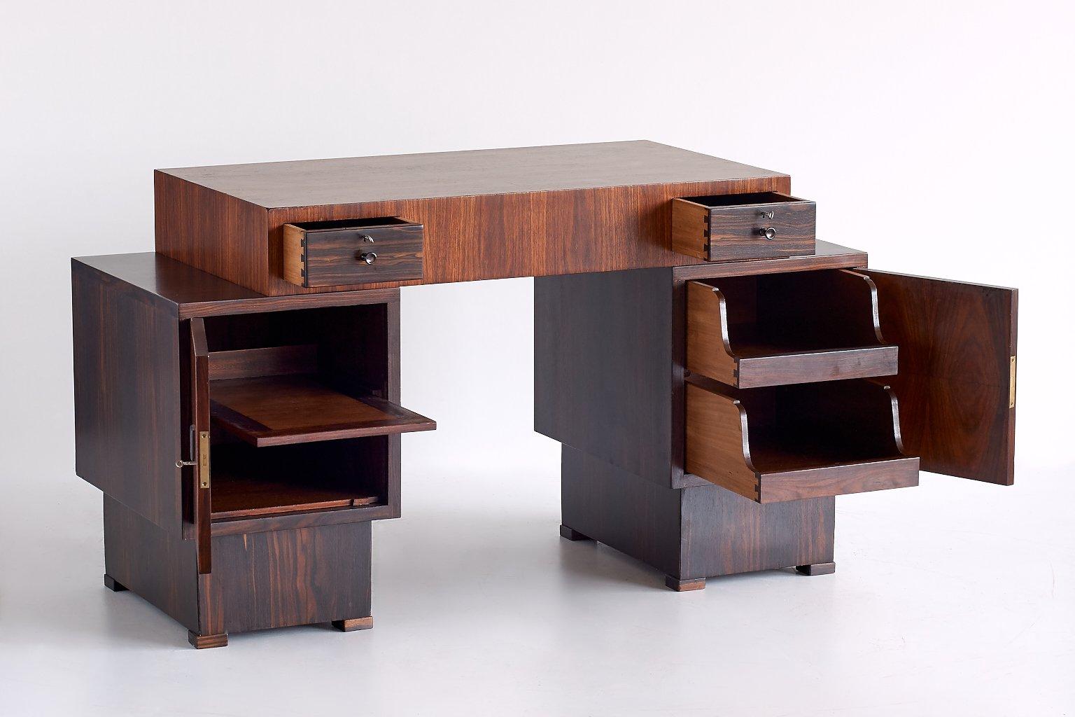 art deco schreibtisch aus palisander makasser ebenholz. Black Bedroom Furniture Sets. Home Design Ideas