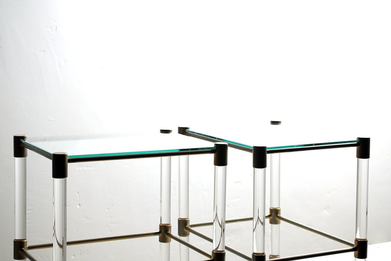 vintage glas und plexiglas beistelltische 2er set bei. Black Bedroom Furniture Sets. Home Design Ideas