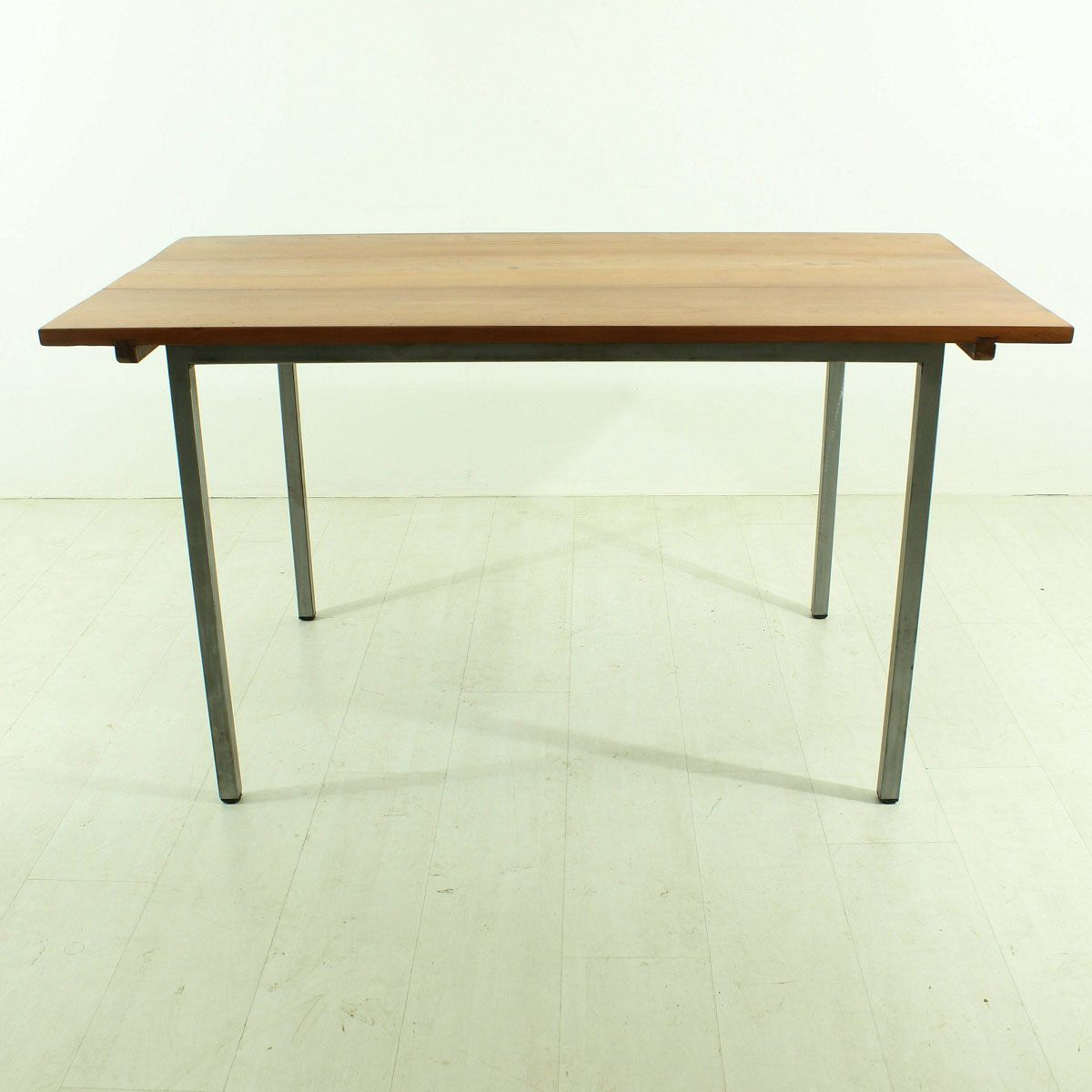 Cherry dining table 1920s for sale at pamono for Cherry dining table