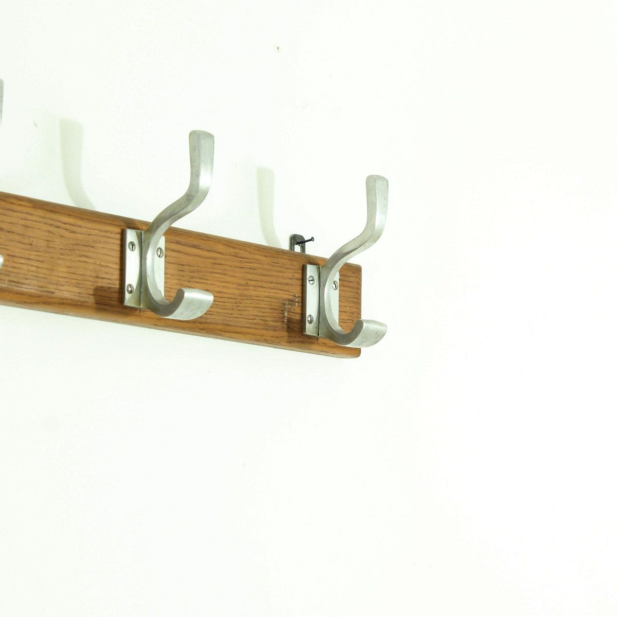 Art deco wall mounted coat rack 1930s for sale at pamono for Artistic coat hooks