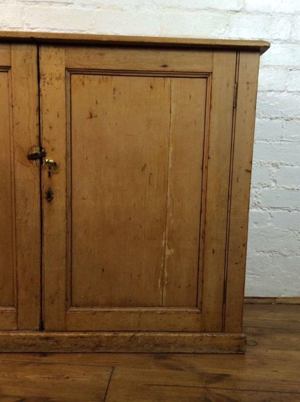 Victorian Antique Pine Storage Cabinet - Victorian Antique Pine Storage Cabinet For Sale At Pamono