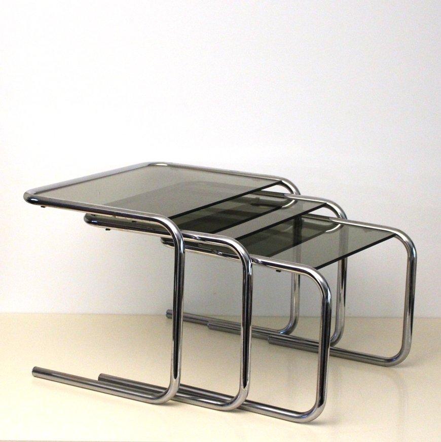 tables gigognes vintage en chrome et en verre fum 1970s en vente sur pamono. Black Bedroom Furniture Sets. Home Design Ideas