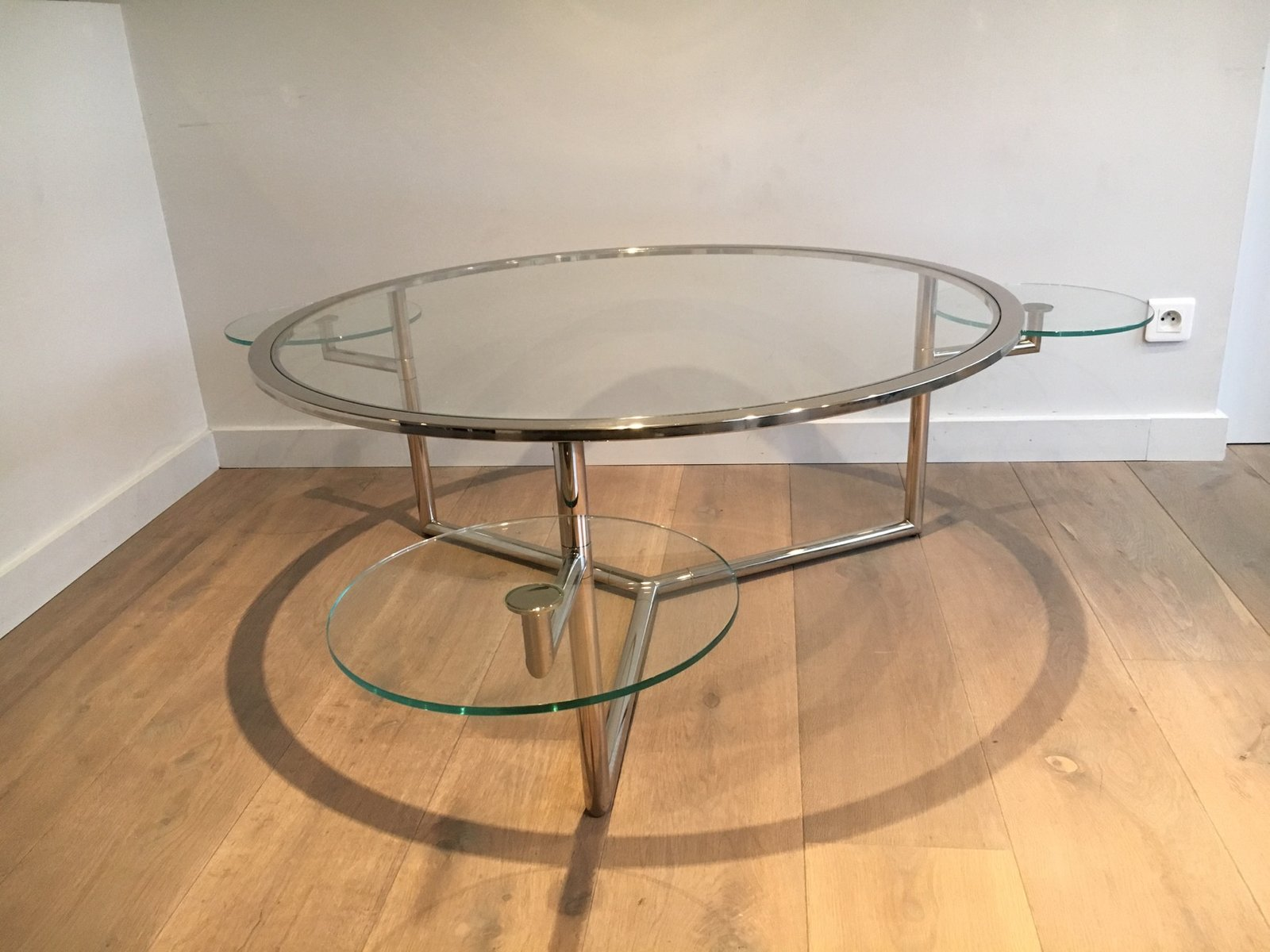 Round coffee table with moveable glass tops 1970s for Glass coffee table tops