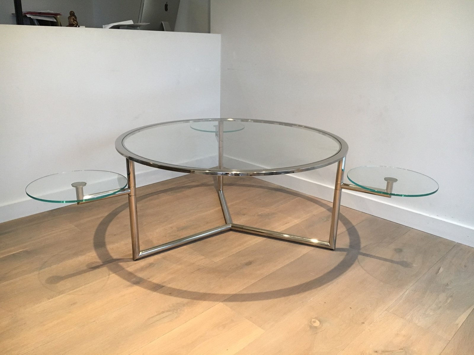 table basse ronde avec plateaux amovibles en verre 1970s. Black Bedroom Furniture Sets. Home Design Ideas