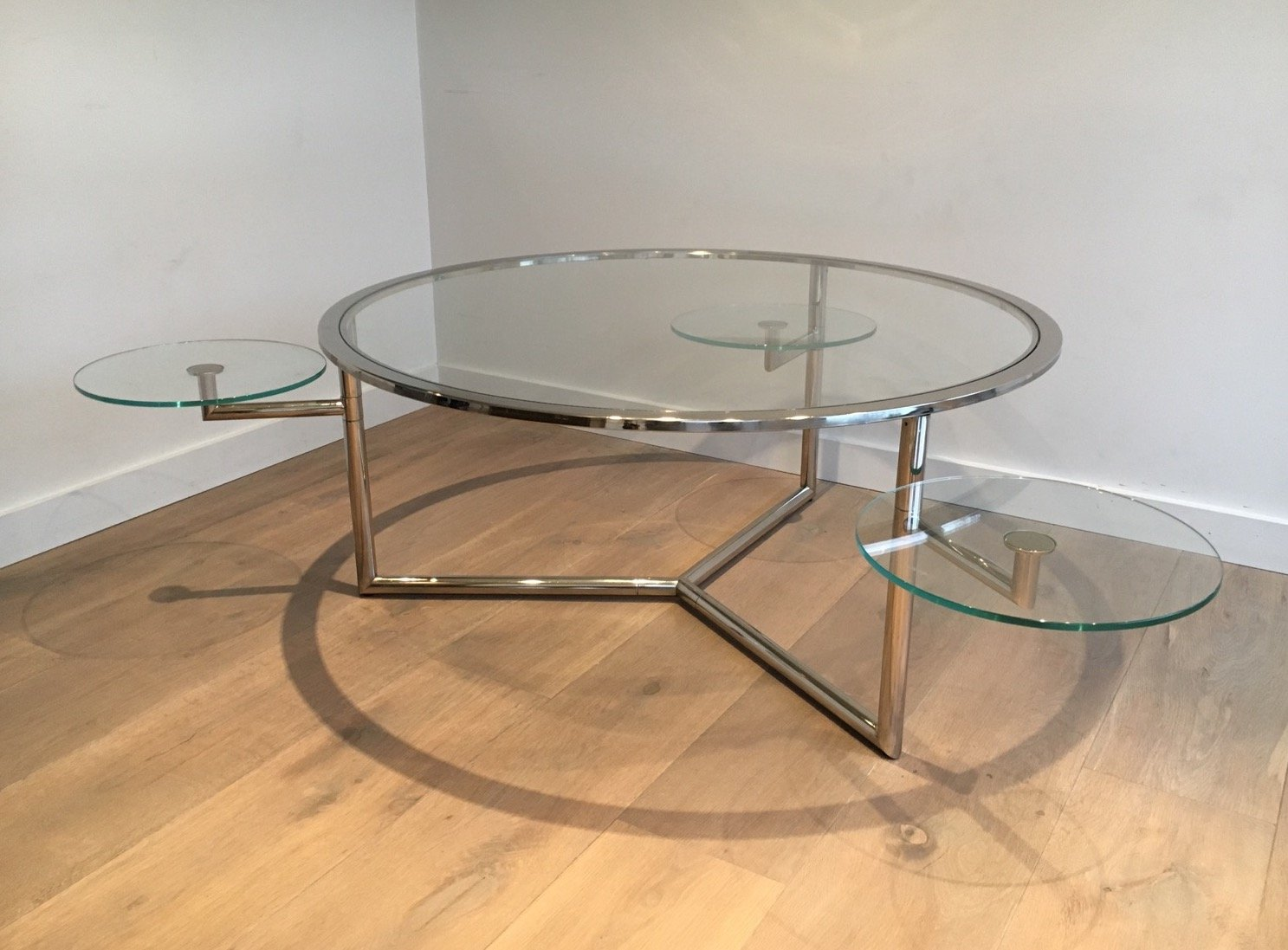 Round coffee table with moveable glass tops 1970s for for Round glass coffee table top