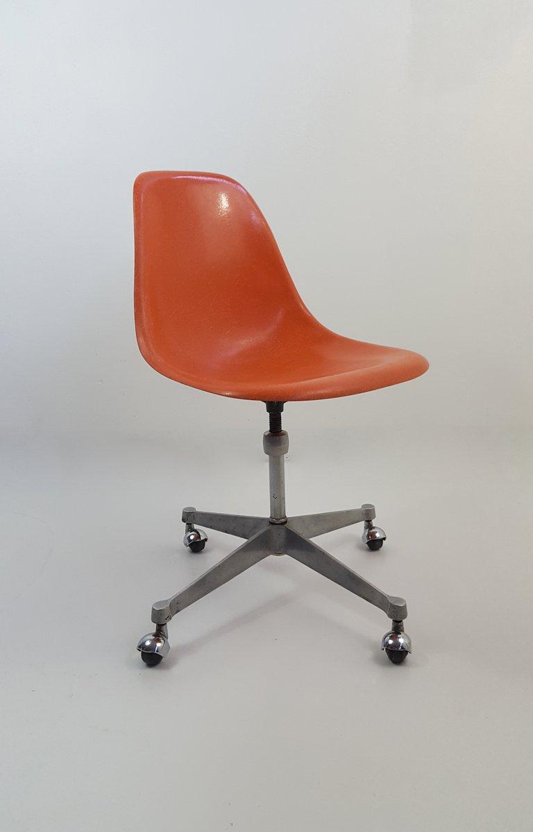 vintage b rostuhl auf rollen von charles ray eames 1970er bei pamono kaufen. Black Bedroom Furniture Sets. Home Design Ideas