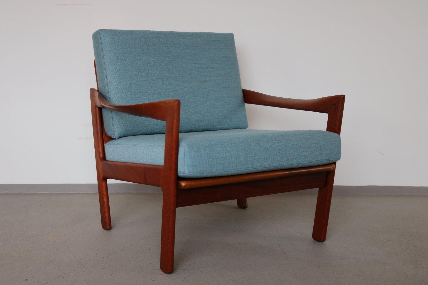 Easy Chair by Illum Wikkels¸ for Niels Eilersen 1966 for sale at