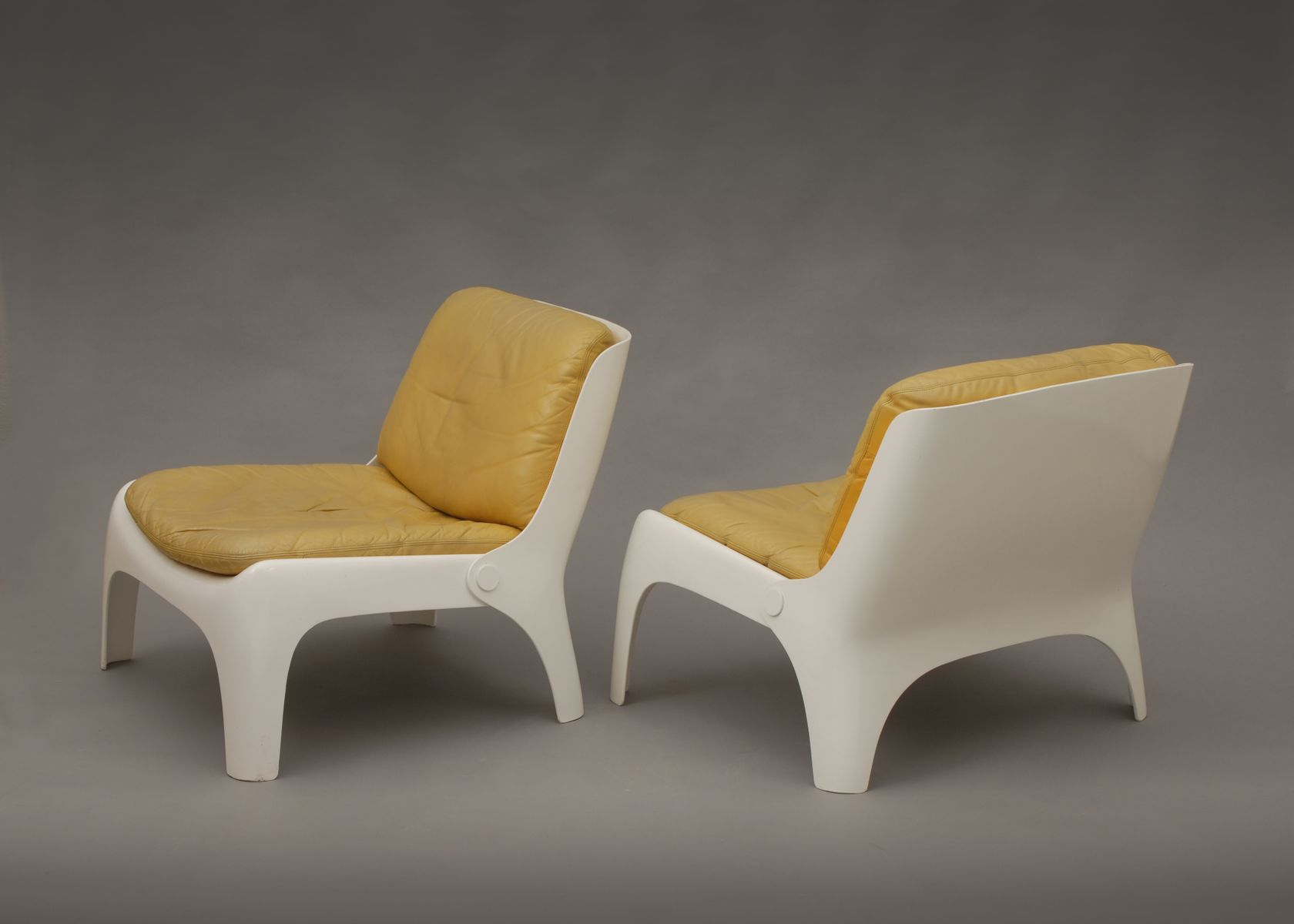 Easy Fiberglass Chairs 1970s Set of 4 for sale at Pamono