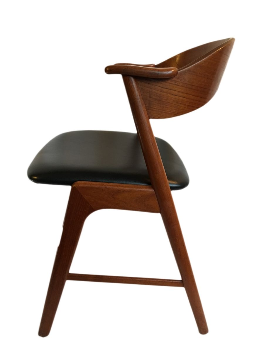 Vintage teak and black leather dining chairs by kai for Black leather dining chairs