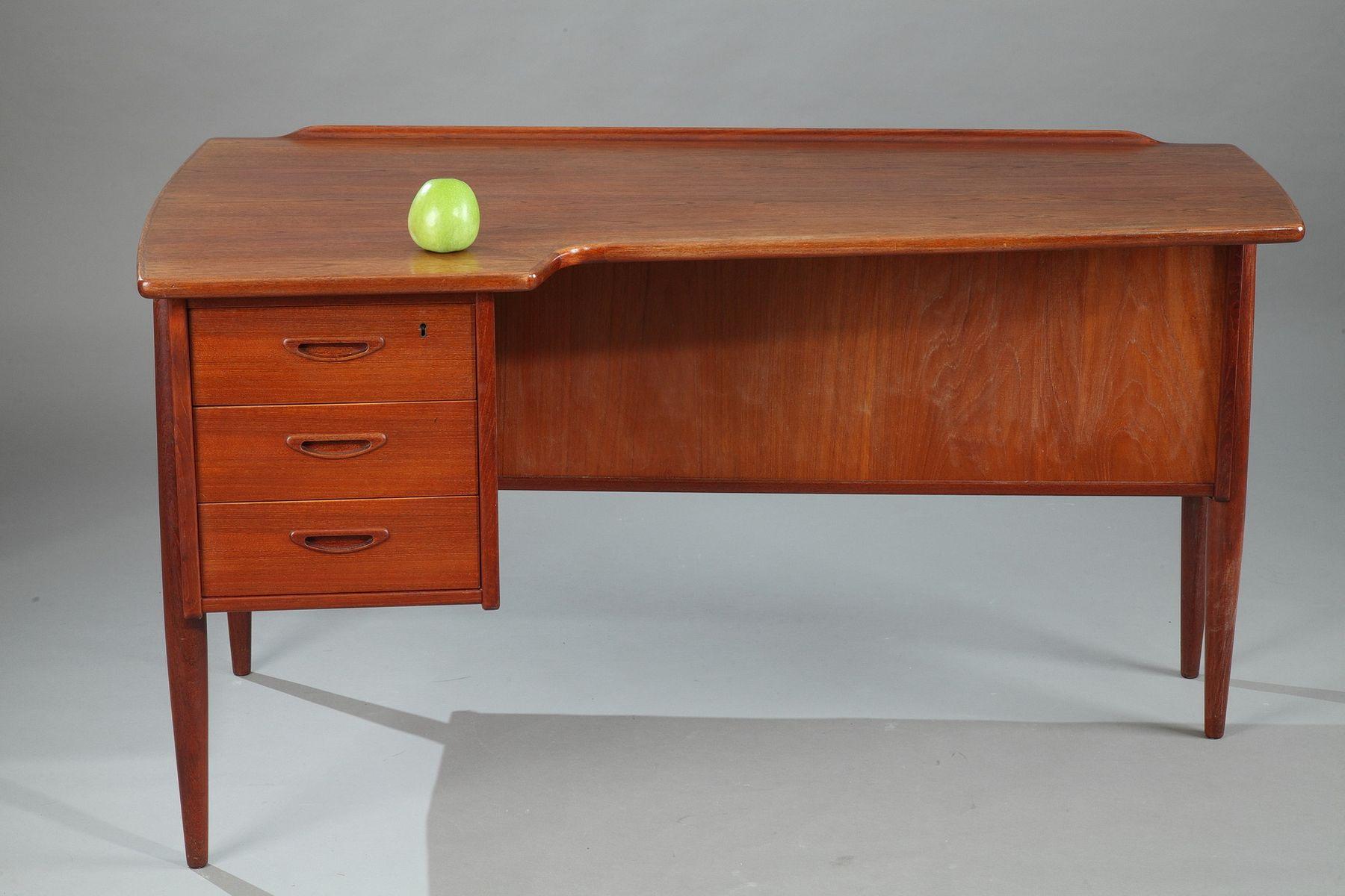 skandinavischer teak schreibtisch von peter l vig nielsen. Black Bedroom Furniture Sets. Home Design Ideas