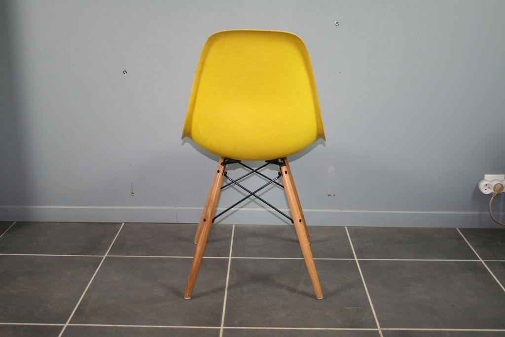 vintage dsw stuhl von charles ray eames f r herman. Black Bedroom Furniture Sets. Home Design Ideas
