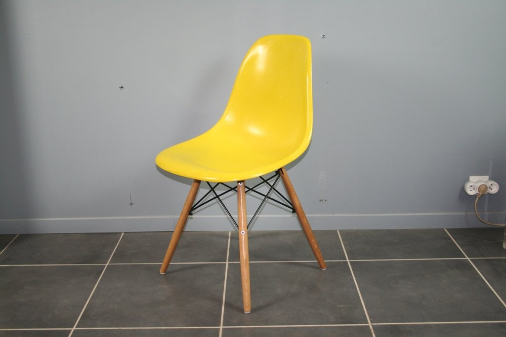 Vintage DSW Chair By Charles U0026 Ray Eames For Herman Miller, 1960s