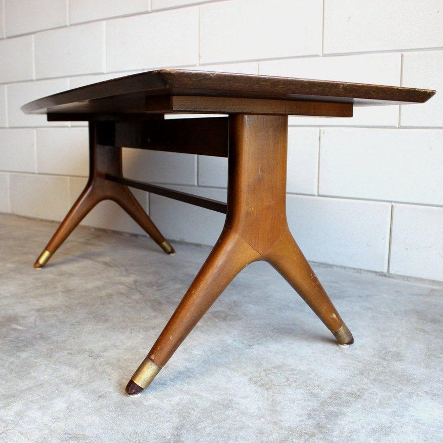 italienischer couchtisch mit messing f en 1950er bei pamono kaufen. Black Bedroom Furniture Sets. Home Design Ideas