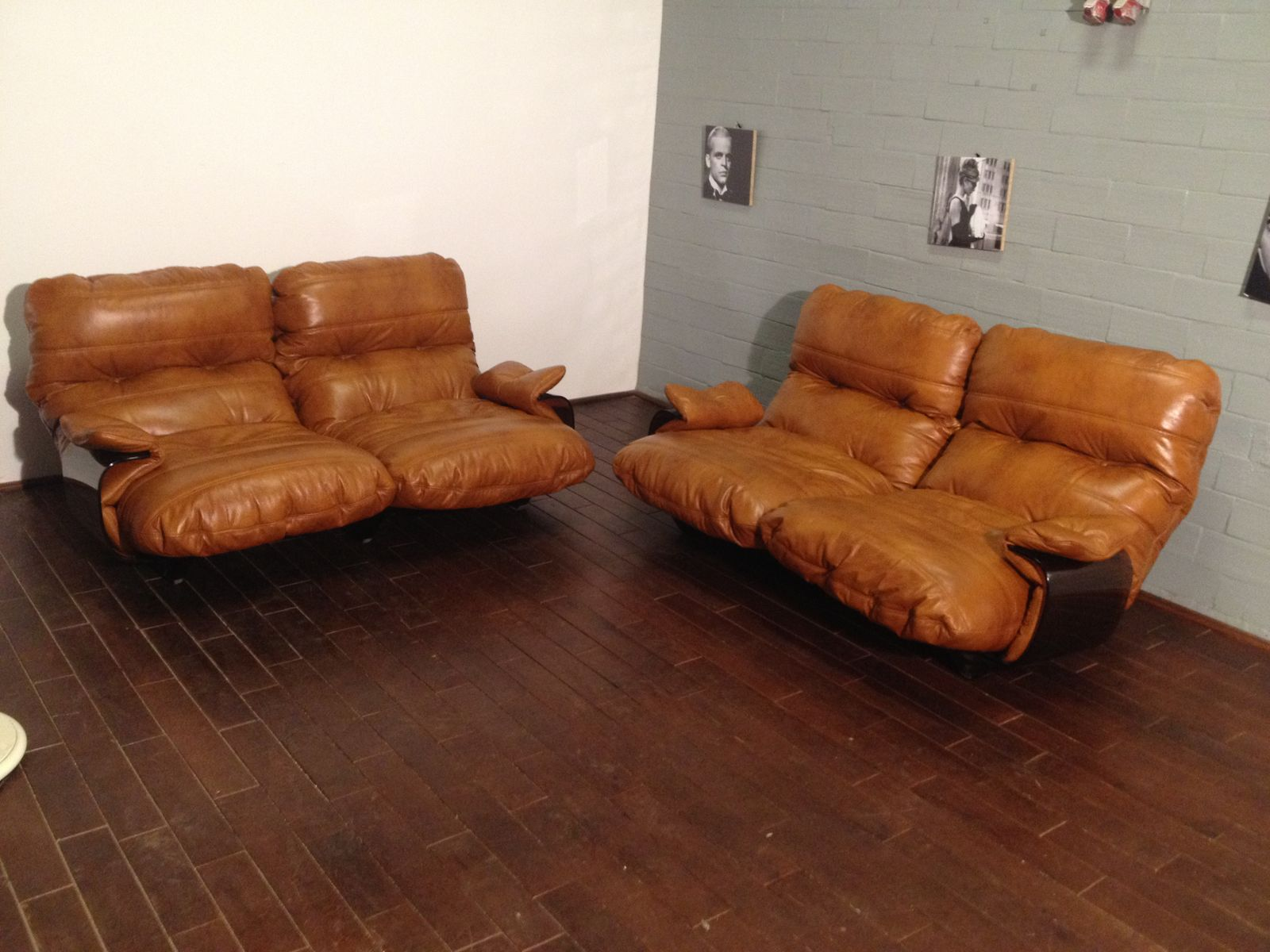 fauteuils cognac marsala en cuir par michel ducaroy pour ligne roset 1970s set de 2 en vente. Black Bedroom Furniture Sets. Home Design Ideas