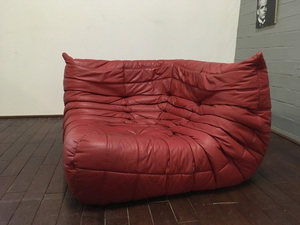 roter togo ledersessel hocker von michel ducaroy f r ligne roset 1974 bei pamono kaufen. Black Bedroom Furniture Sets. Home Design Ideas