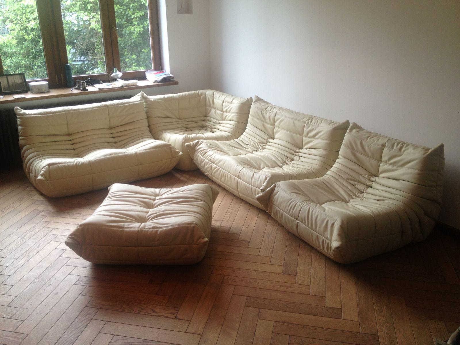 canap vintage togo beige en cuir par michel ducaroy pour ligne roset 1974 en vente sur pamono. Black Bedroom Furniture Sets. Home Design Ideas