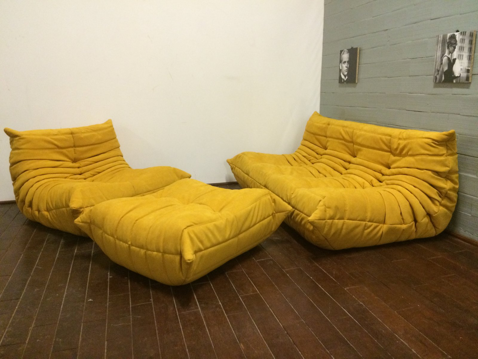 Yellow alcantara togo sofa set by michel ducaroy for ligne for Canape lit ligne roset