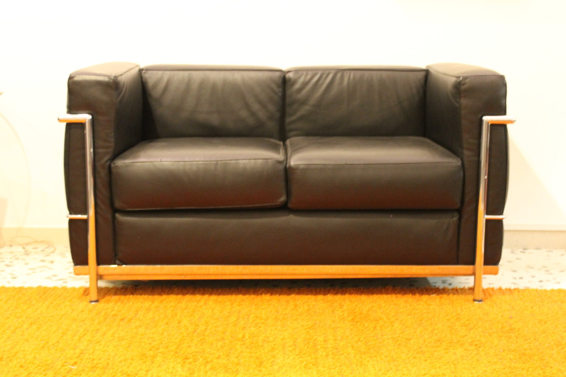 lc2 sofa by le corbusier for alivar 1989 for sale at pamono. Black Bedroom Furniture Sets. Home Design Ideas