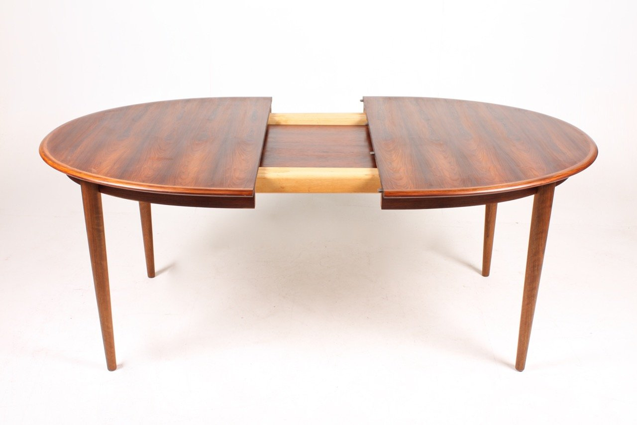 Danish mid century rosewood dining table with 2 extension for Dining table with two leaves