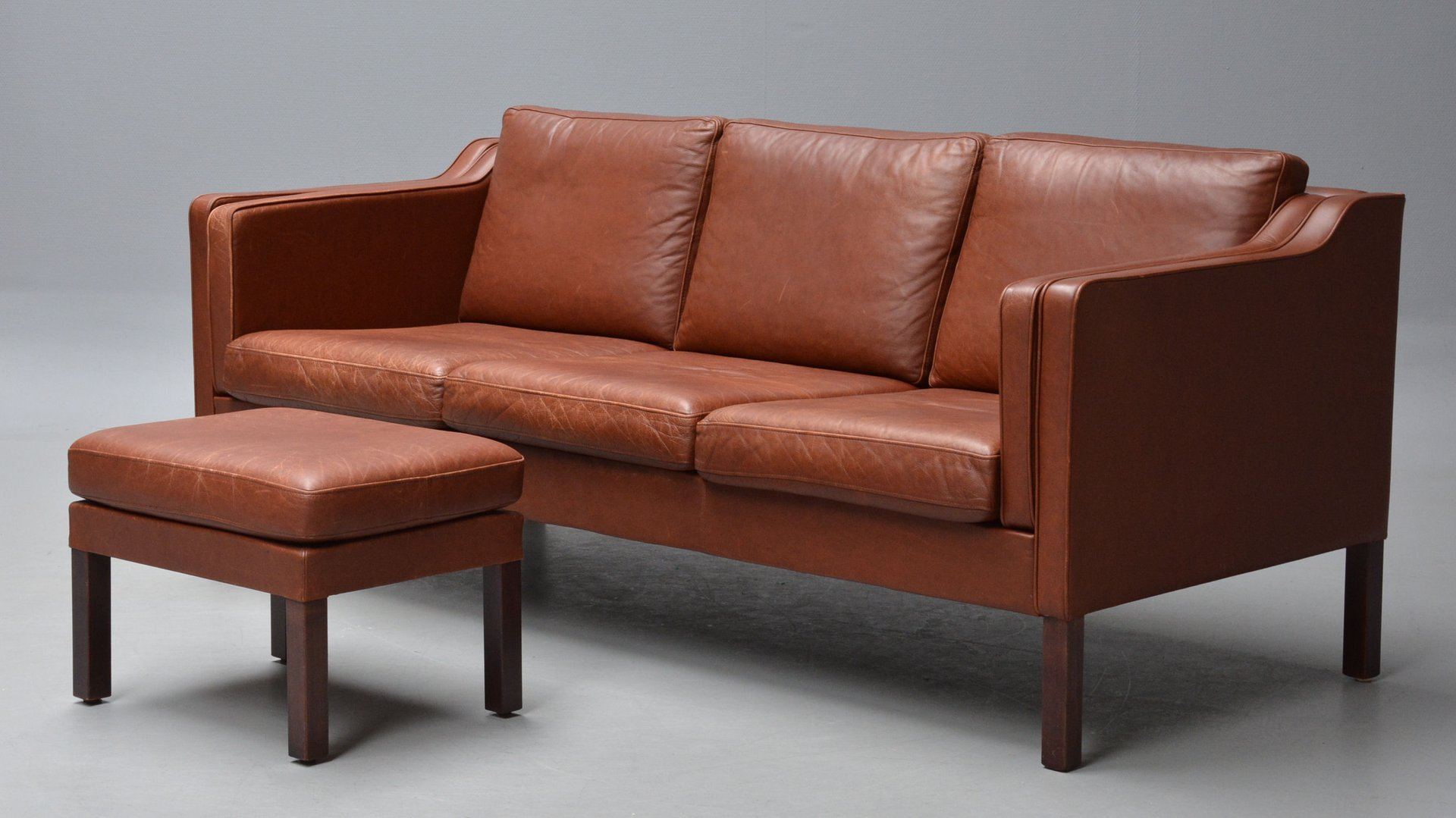 brown leather sofa with stool 1960s for sale at pamono. Black Bedroom Furniture Sets. Home Design Ideas