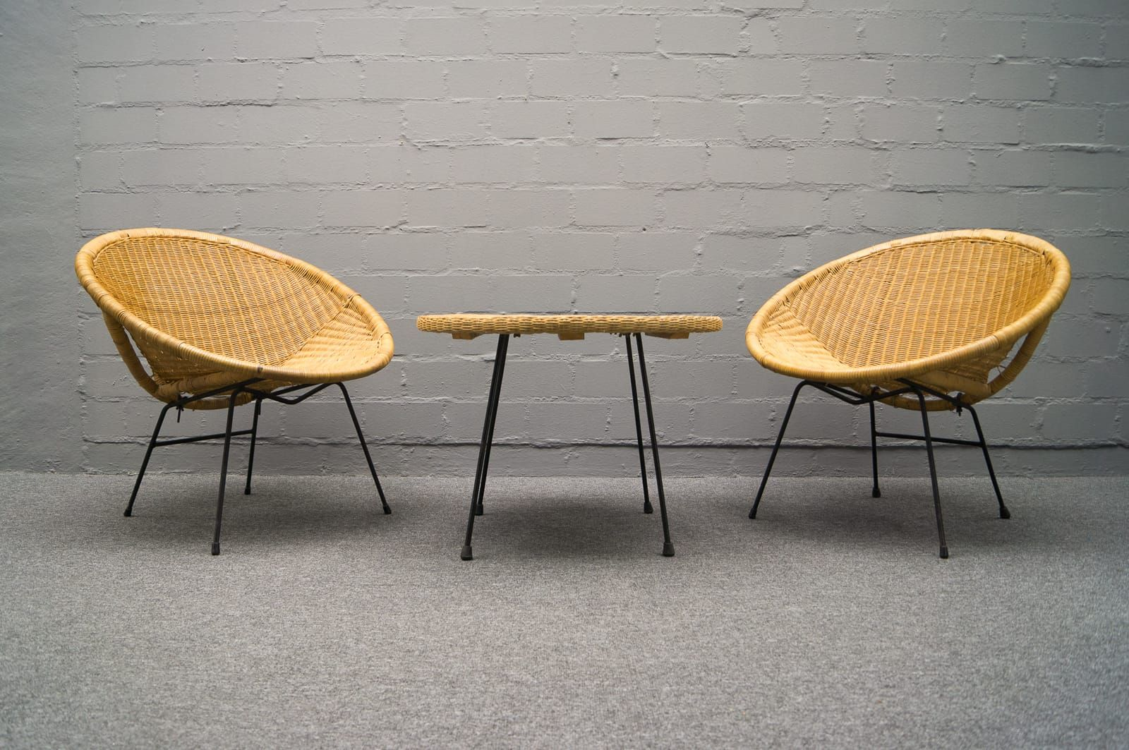 Mid century rattan cocktail chairs with coffee table for for Cocktail tables and chairs for sale