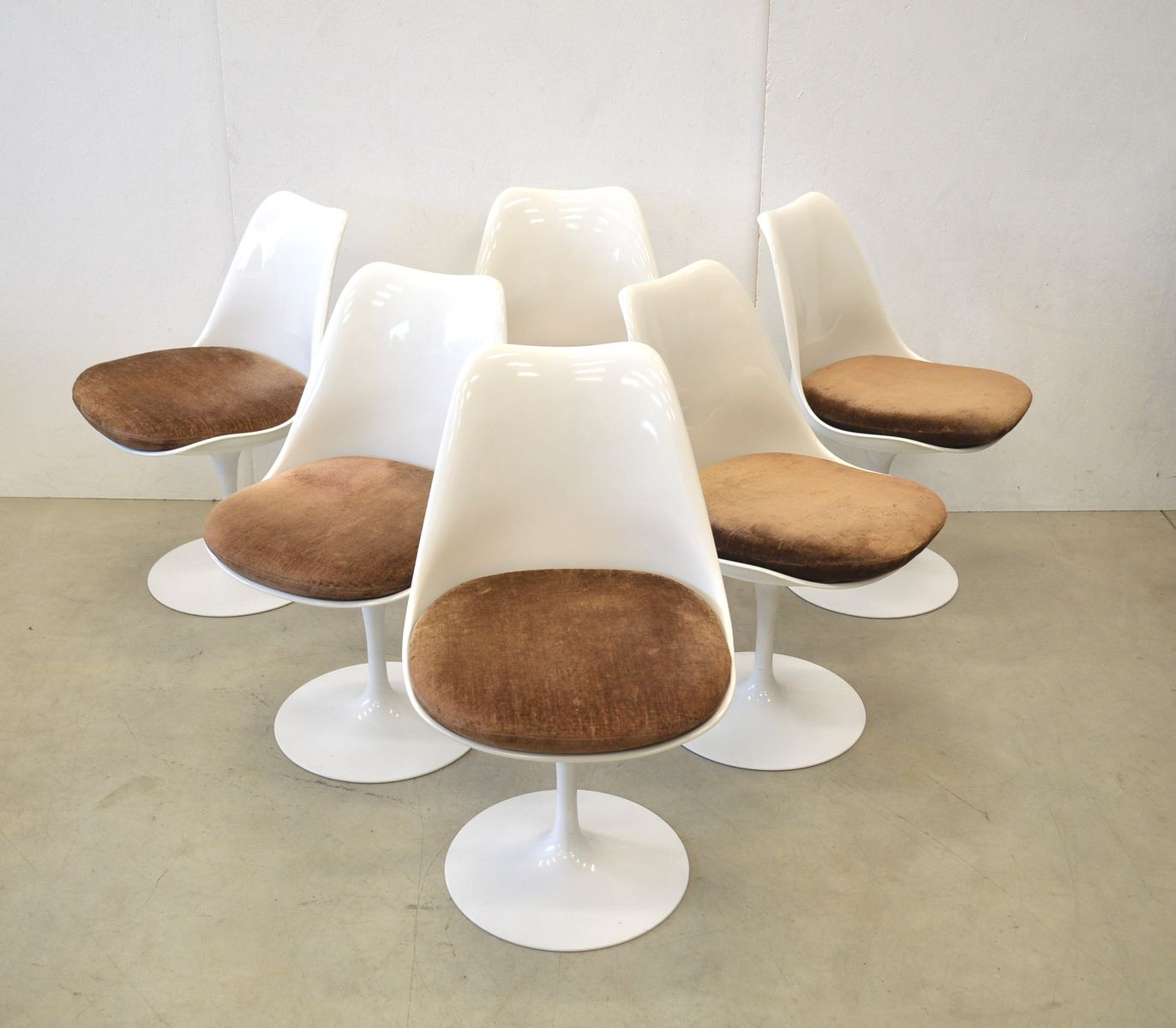 Marble dining table 6 tulip chairs by eero saarinen for knoll international 1970s for sale at - Tulip chairs for sale ...