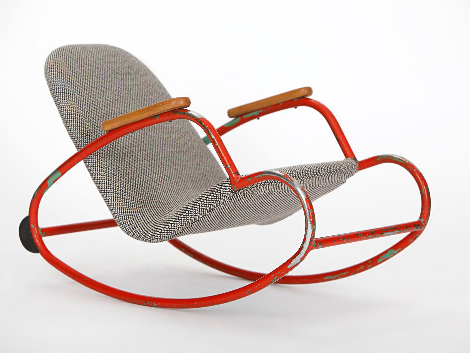 kinder schaukelstuhl aus gebogenem rohrstahl 1960er bei pamono kaufen. Black Bedroom Furniture Sets. Home Design Ideas