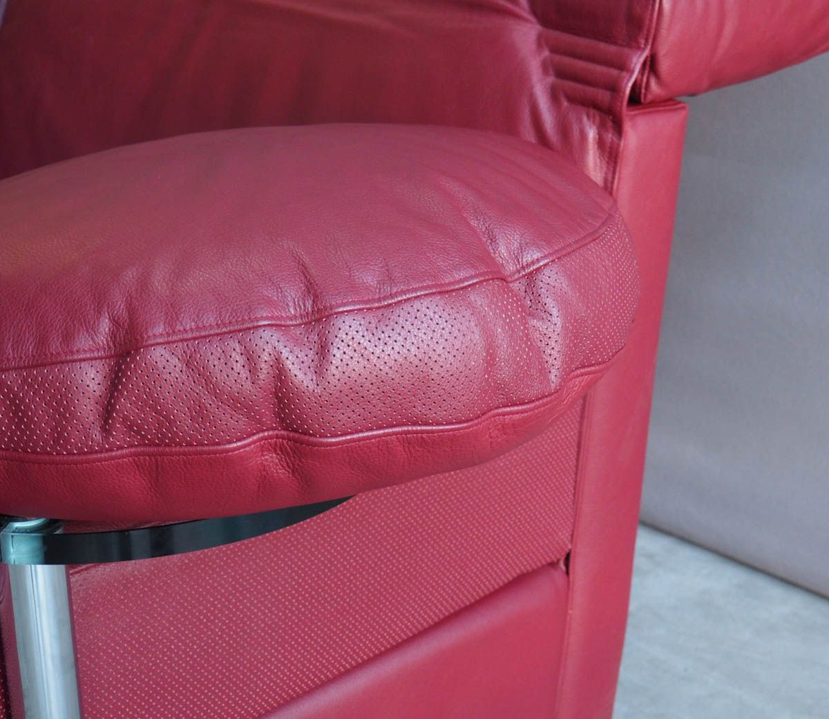 rotes vintage arca ledersofa von paolo piva f r b b italia. Black Bedroom Furniture Sets. Home Design Ideas