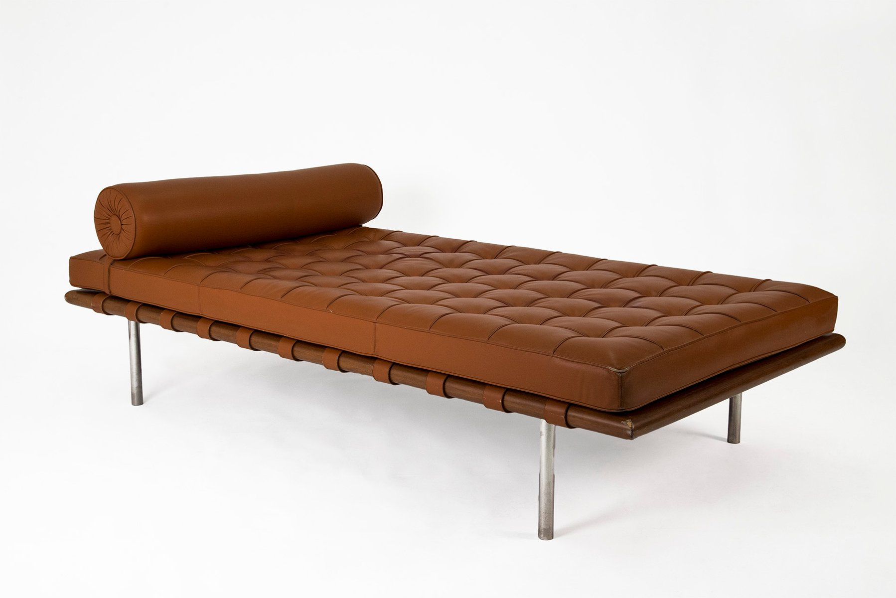 mies van der rohe sofa rosewood and leather barcelona daybed by ludwig mies van der rohe thesofa. Black Bedroom Furniture Sets. Home Design Ideas