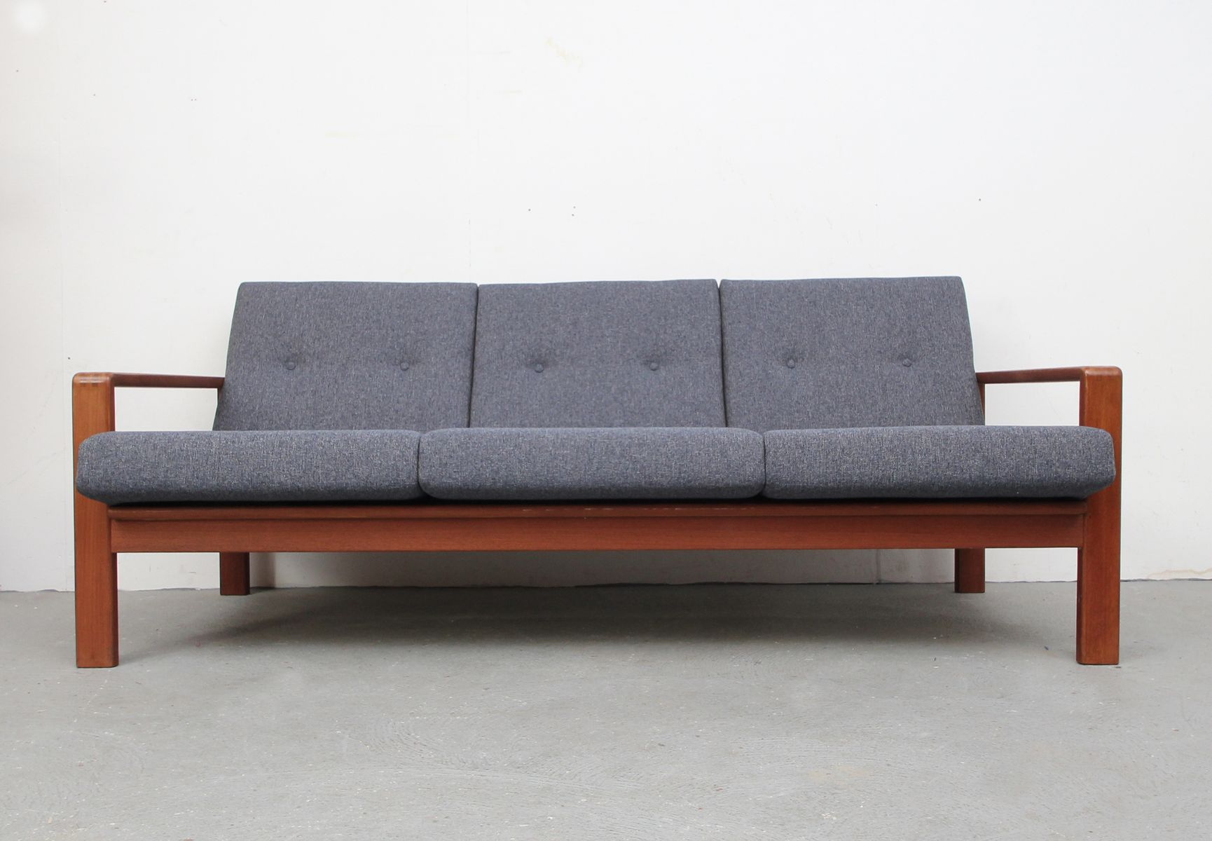 d nisches 3 sitzer sofa von komfort 1960er bei pamono kaufen. Black Bedroom Furniture Sets. Home Design Ideas
