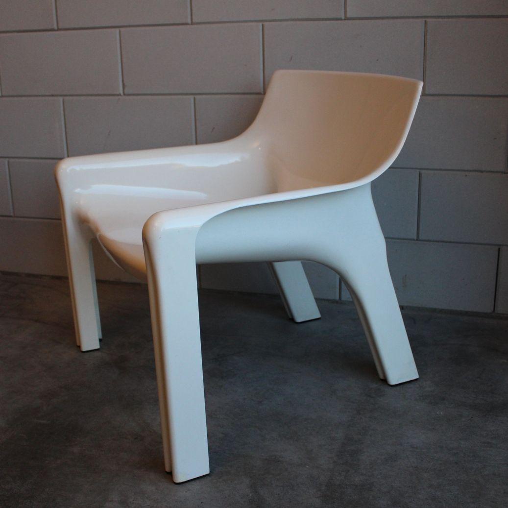 Vicario stuhl von vico magistretti f r artemide milano for Design stuhl milano echtleder