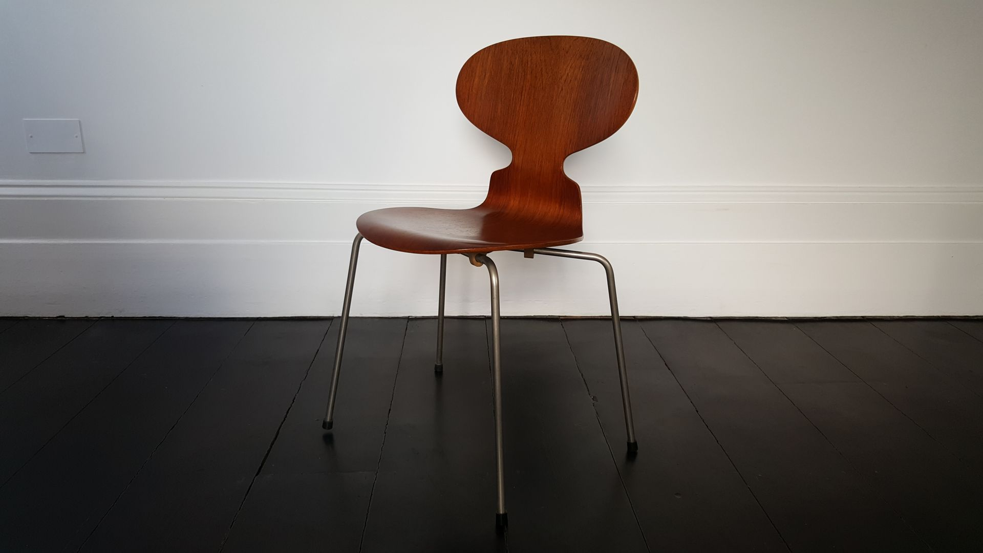Model 3100 Ant Chair by Arne Jacobsen for Fritz Hansen for sale at