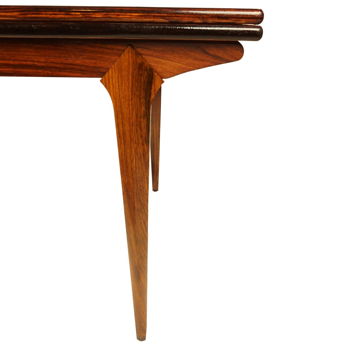 danish rosewood dining table with extension leaves for sale at pamono danish rosewood dining table with extension leaves 6 1 495 00 price per piece