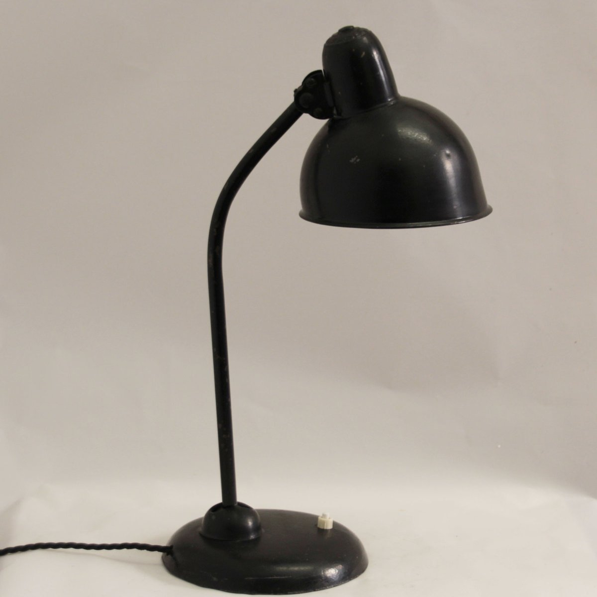 model 6551 bauhaus table lamp by christian dell for kaiser idell 1940s for sale at pamono. Black Bedroom Furniture Sets. Home Design Ideas