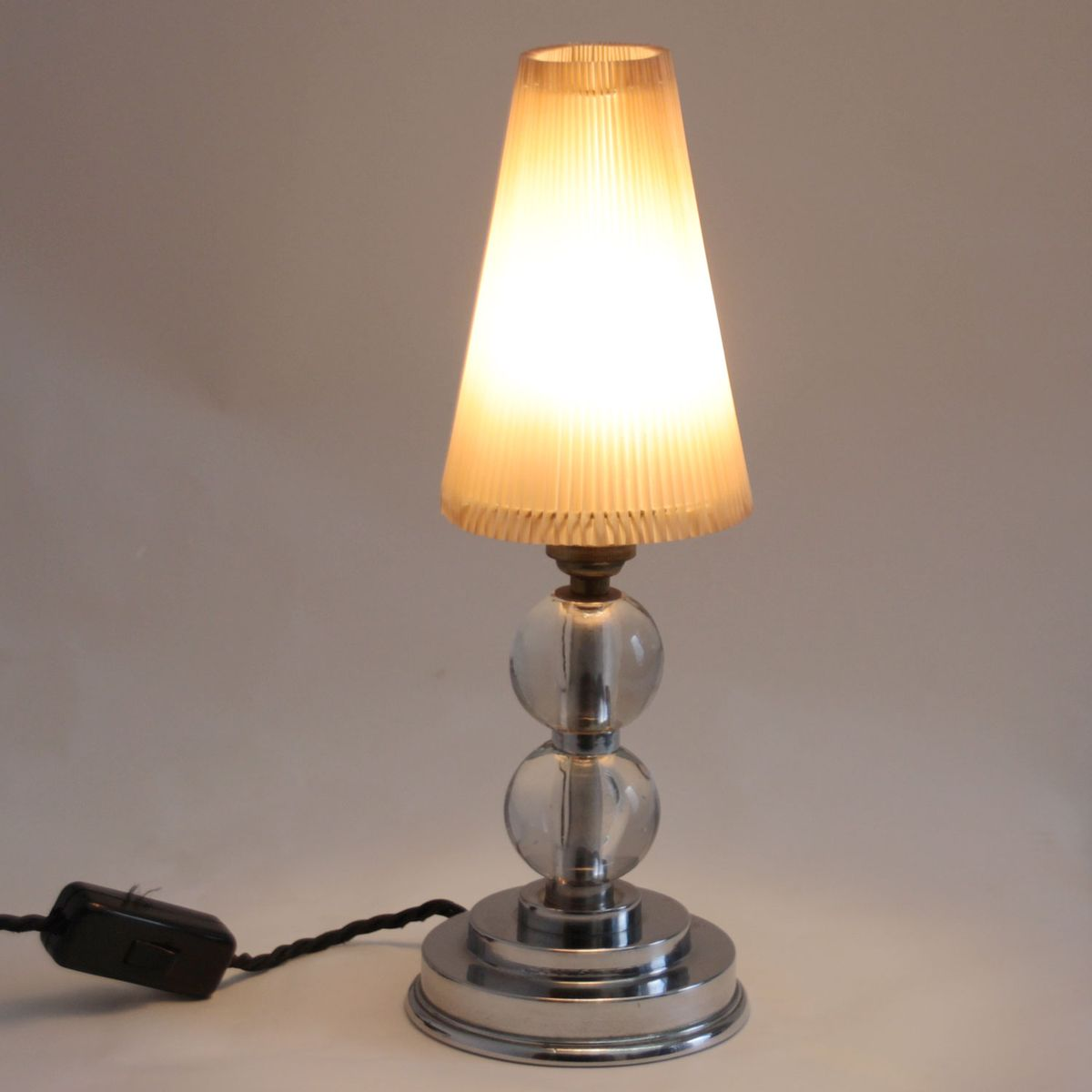 Mid century modern table lamp - Mid Century Modern Table Lamp With Glass Stem