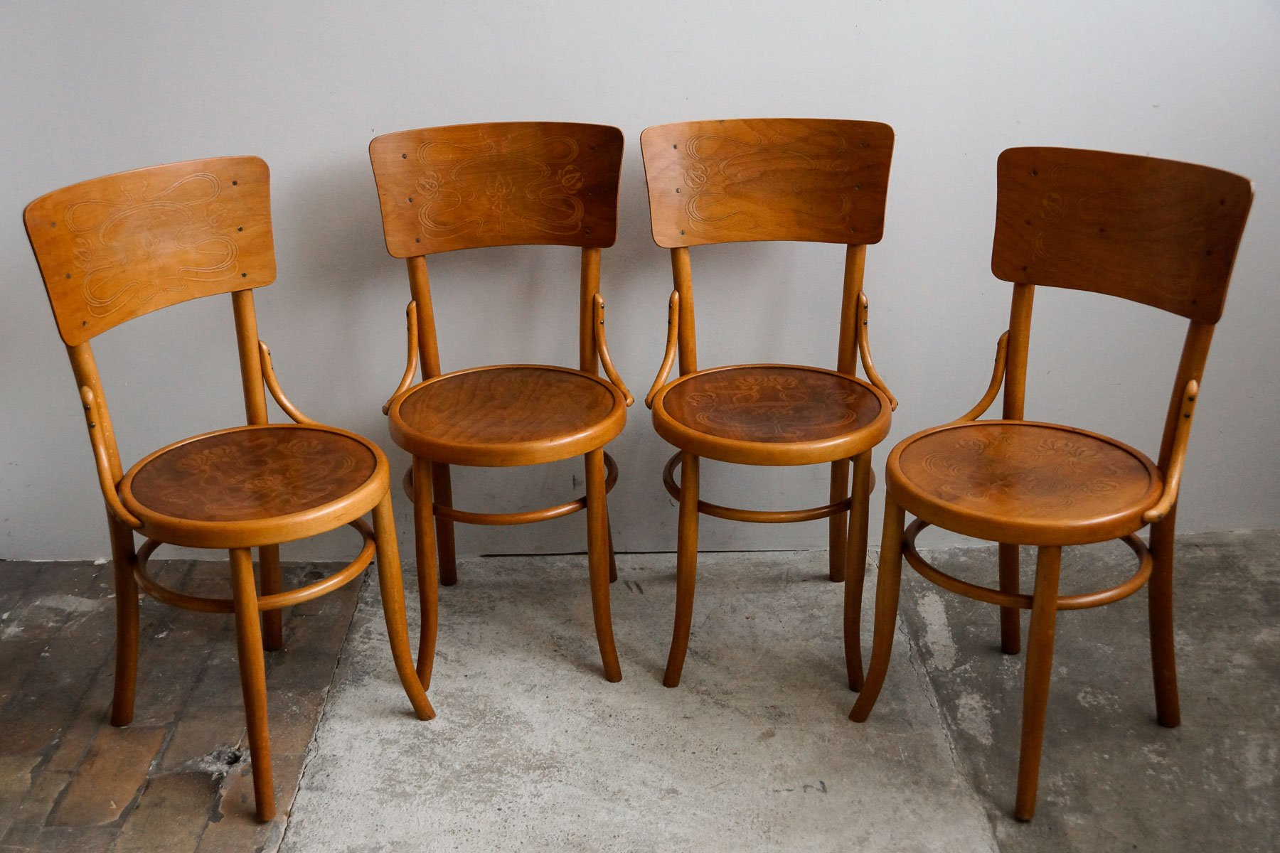 Vintage bentwood chairs - Antique Bentwood Chairs From M Bel Furnier Fabrik Ag 1910s Set Of 4 For Sale At Pamono
