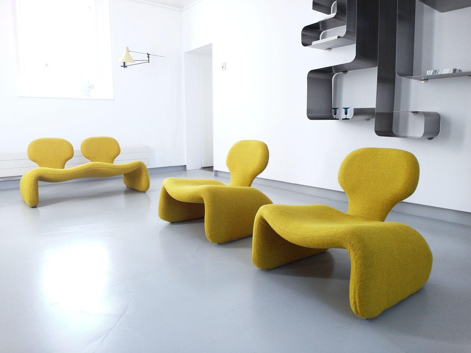 gelbe mid century djinn st hle von olivier mourgue f r. Black Bedroom Furniture Sets. Home Design Ideas