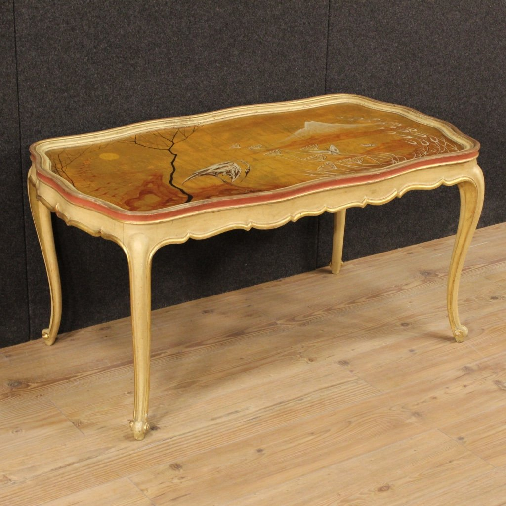 Venetian Lacquered Gilded And Hand Painted Coffee Table 1950s For Sale At Pamono