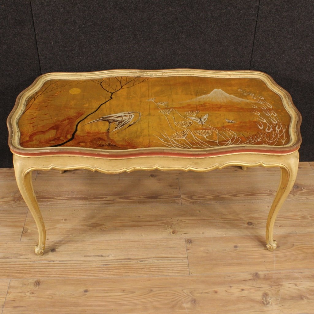 Venetian lacquered gilded and hand painted coffee table 1950s venetian lacquered gilded and hand painted coffee table 1950s geotapseo Image collections