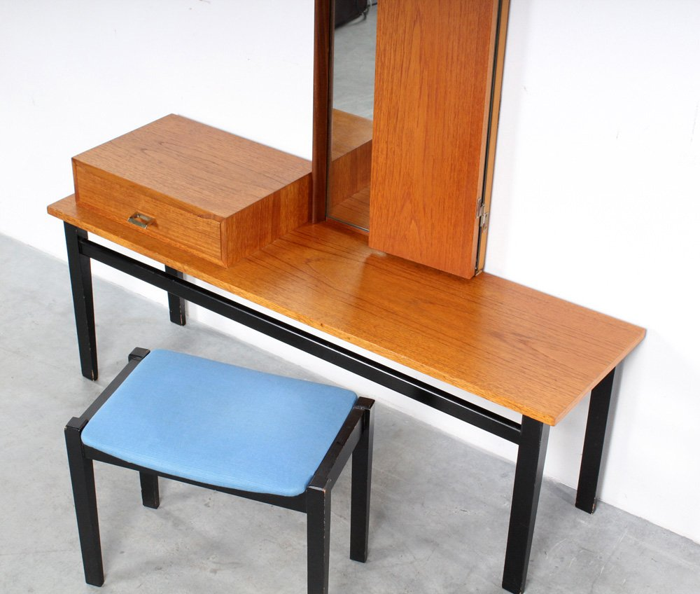 Vintage dressing table with mirror and stool for sale at for Retro dressing table