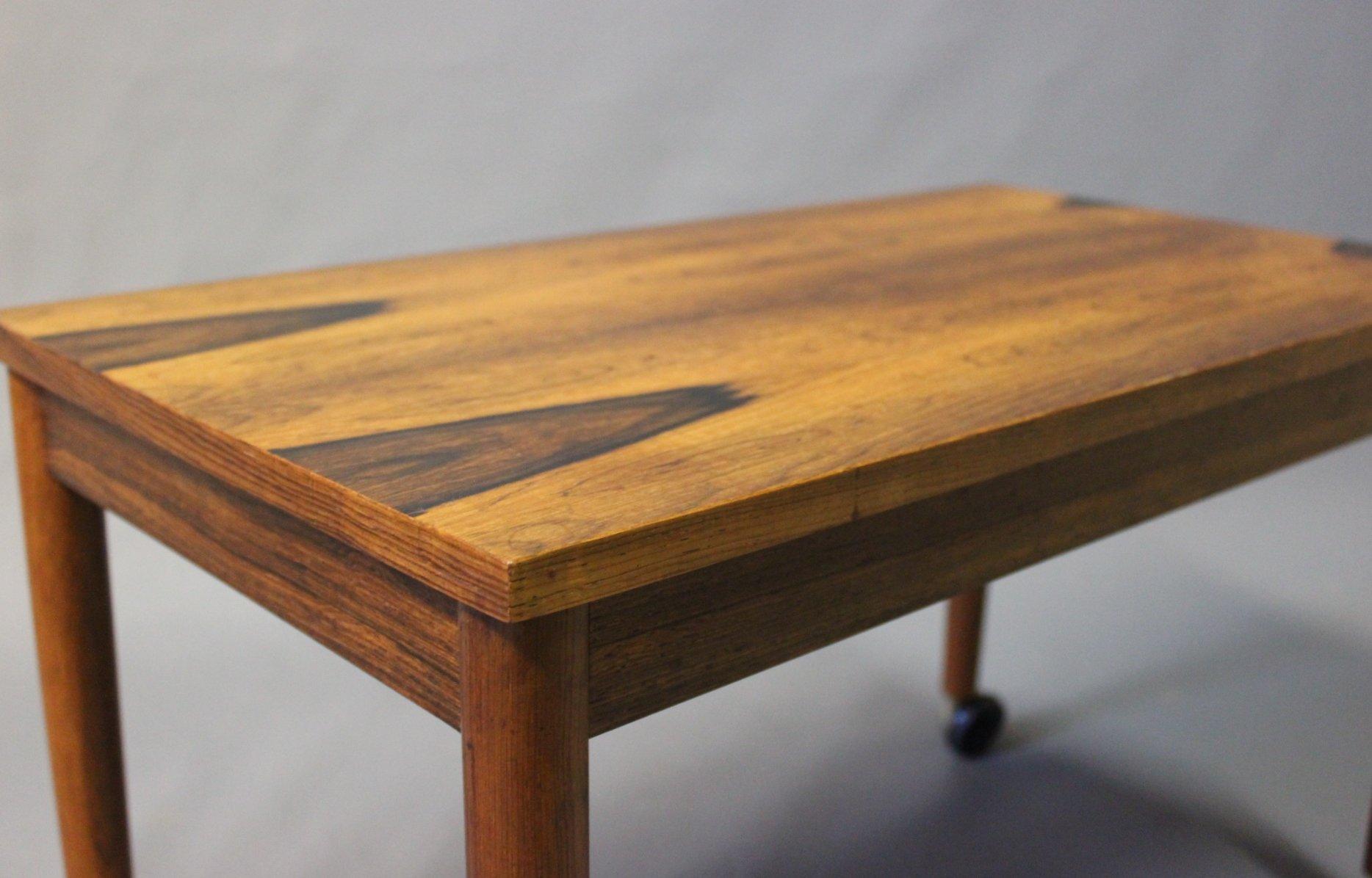d nischer kleiner palisander tisch auf rollen 1960er bei pamono kaufen. Black Bedroom Furniture Sets. Home Design Ideas
