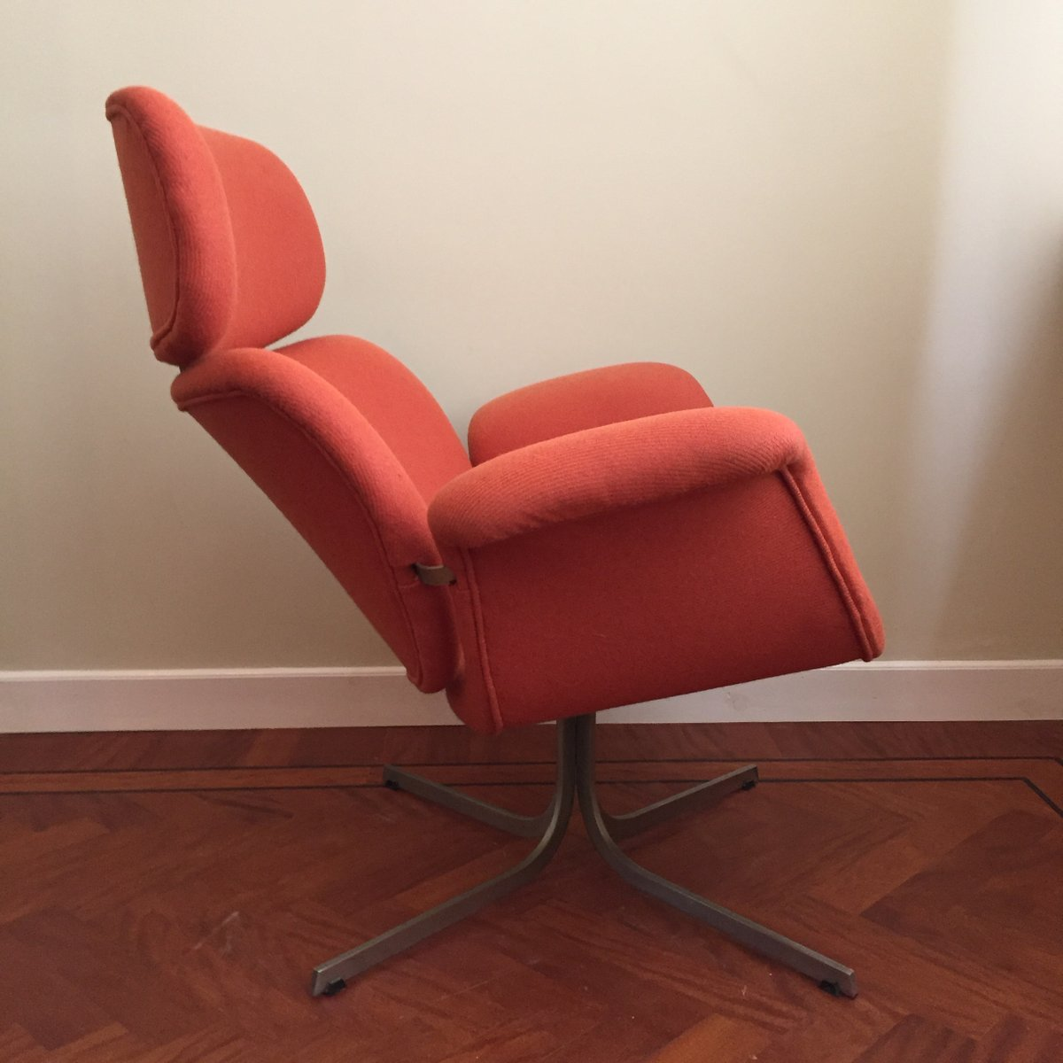 Lounge Chair by Pierre Paulin for Artifort 1960s for sale at Pamono