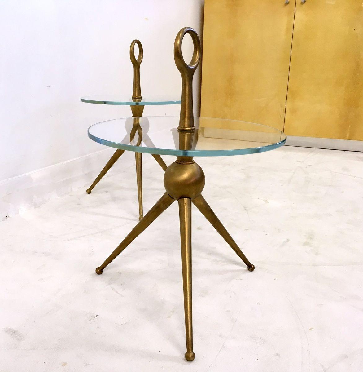 ma geschneiderte italienische vintage beistelltische aus messing glas 2er set bei pamono kaufen. Black Bedroom Furniture Sets. Home Design Ideas